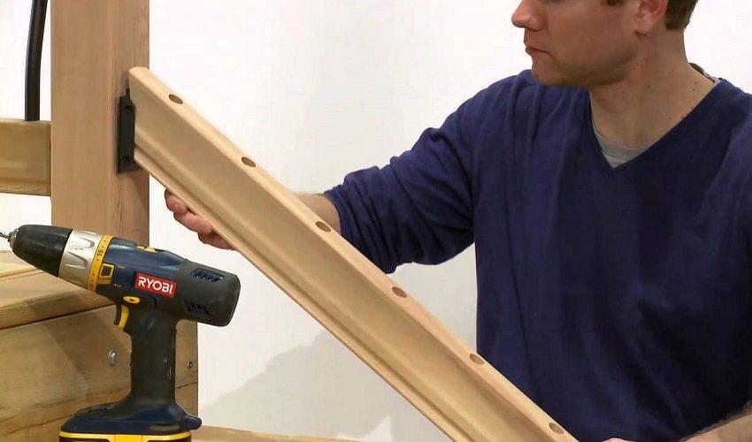 Надежная фиксация элементов лестницы обеспечит ее безопасную эксплуатацию