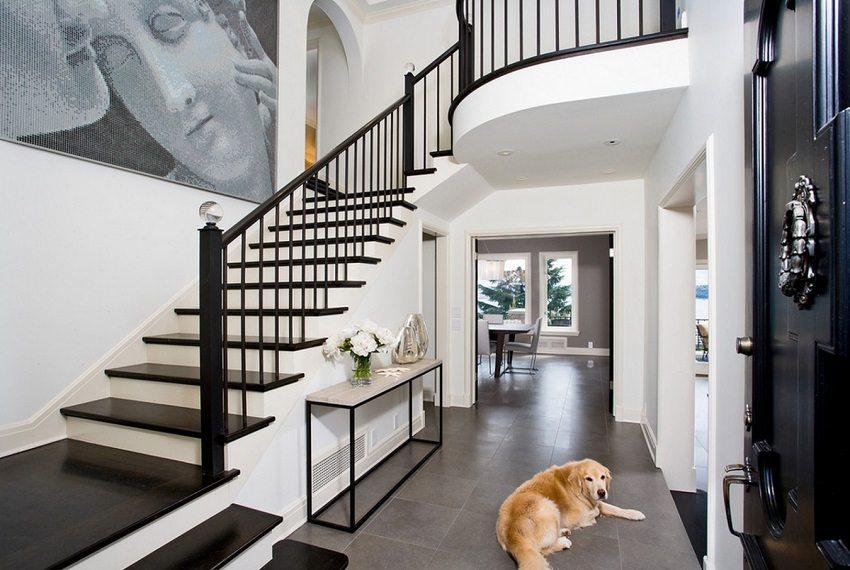Марши лестниц не должны состоять более, чем из 10 ступеней