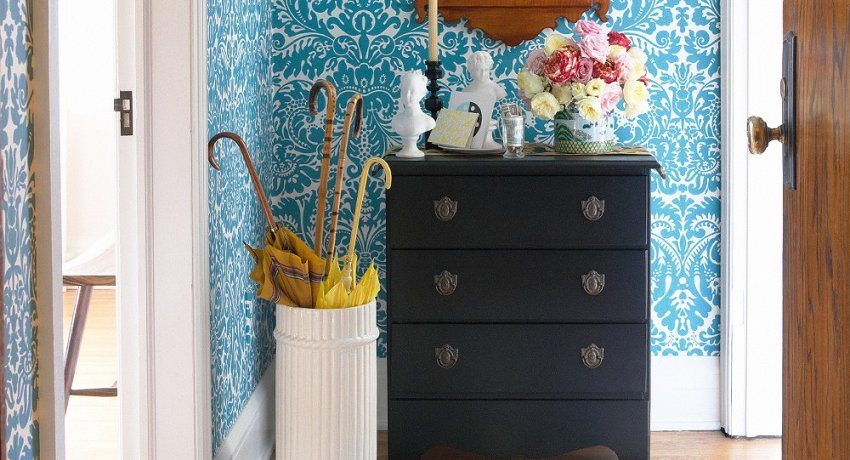 Wallpaper for the hallway and the corridor. Photos of the best ideas, tips for choosing colors and patterns