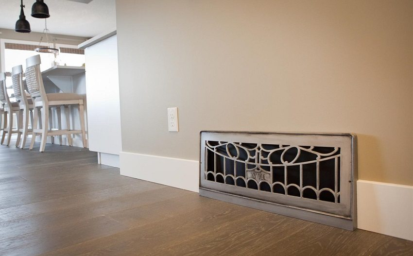 Помимо основных функций, вентиляционная решетка может выполнять и декоративную роль