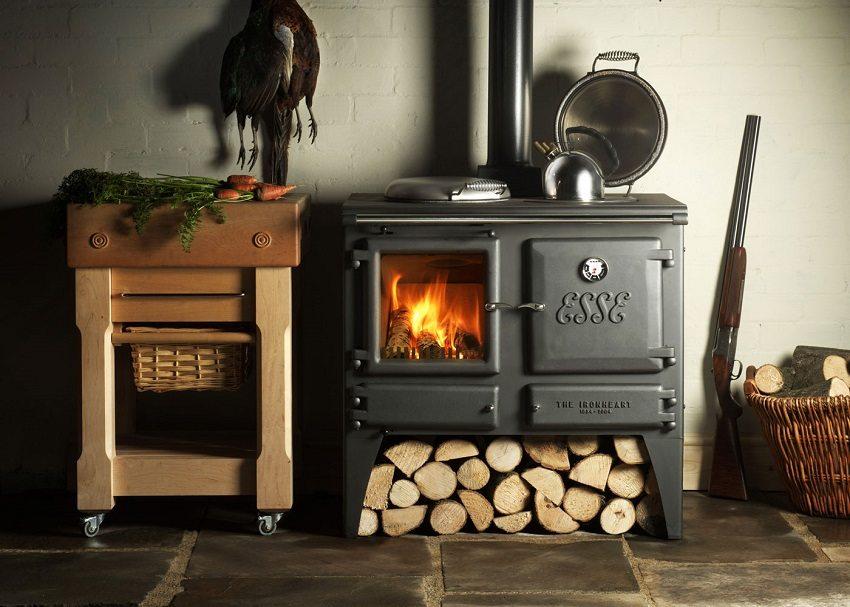 Печь-камин с варочной поверхностью и духовкой - универсальный агрегат для приготовления пищи и автономного отопления загородного дома