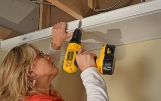 Пластиковые панели для потолка: монтаж своими руками
