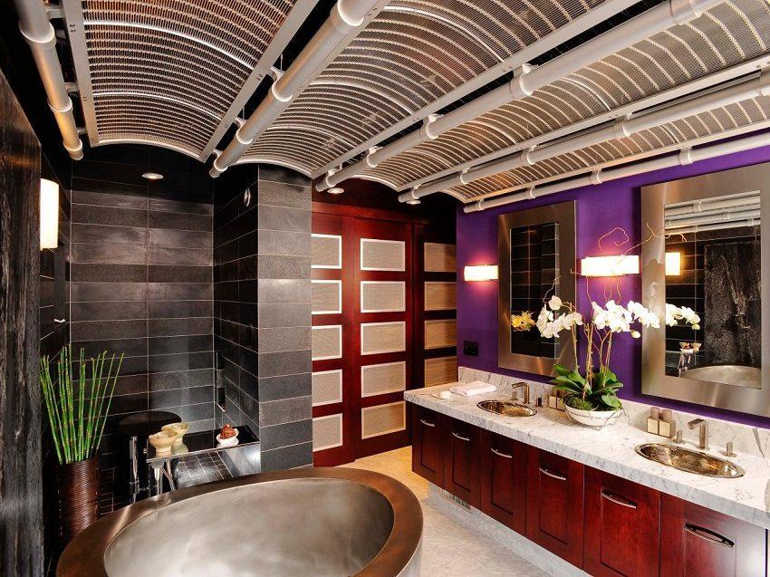 Необычное оформление потолка в ванной алюминиевыми решетками