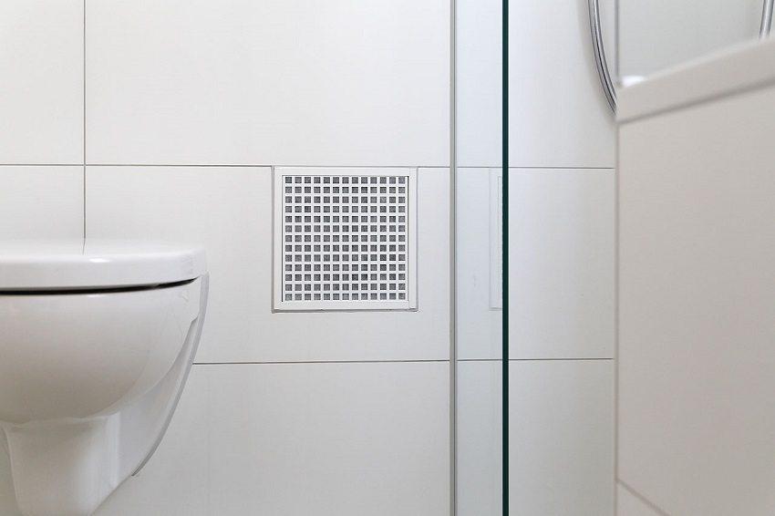 Для эффективного воздухообмена необходимо следить за чистотой вентиляционной решётки и периодически проверять тягу в вентиляционном канале