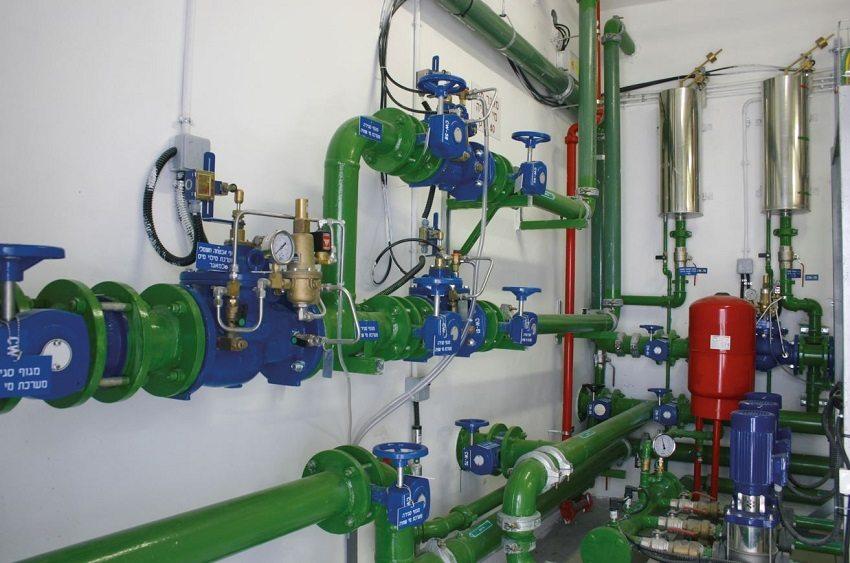 Регуляторы давления воды предотвращают негативное воздействие значительных колебаний давления воды на вводе в систему и гидравлических ударов