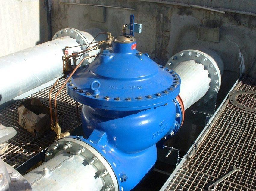 Регуляторы давления воды используются повсеместно для управления и контроля потока в сетях водоснабжения