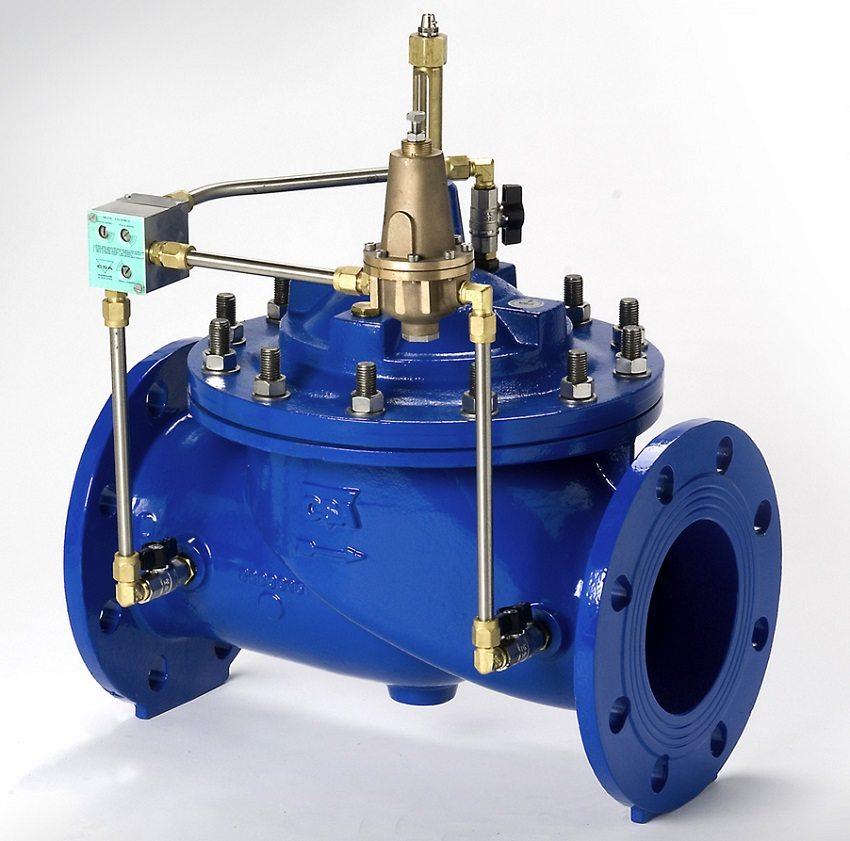 Промышленный редуктор давления воды с фланцевым клапаном пилотного типа