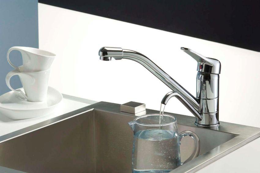 Комбинированный смеситель с отдельным носиком для чистой воды