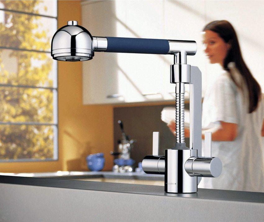 Оригинальный дизайн смесителя KLUDI-ZIP с выдвижным изливом