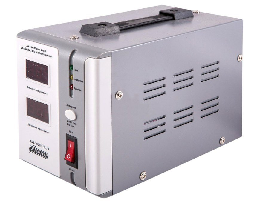 Автоматический стабилизатор напряжения Powerman AVS 1000D PLUS