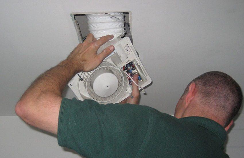 Монтируемый вентилятор должен предельно совпадать по размеру с отверстием