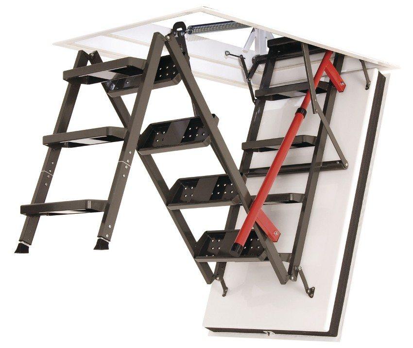 Складная металлическая лестница с утепленным люком