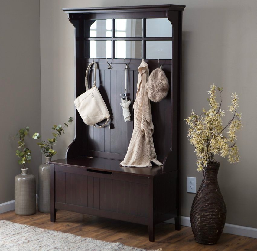 Темные тона мебели лучше использовать в просторных помещениях