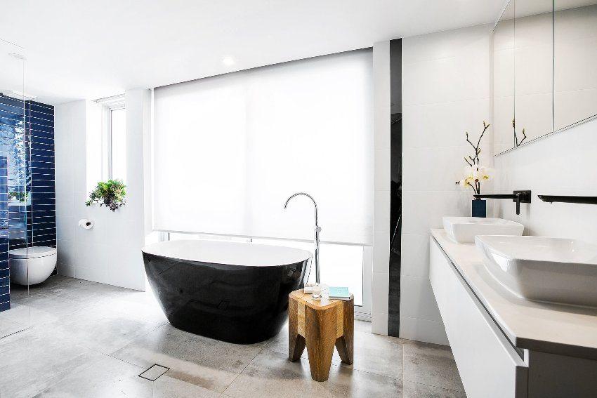 Современная ванная комната, совмещенная с туалетом