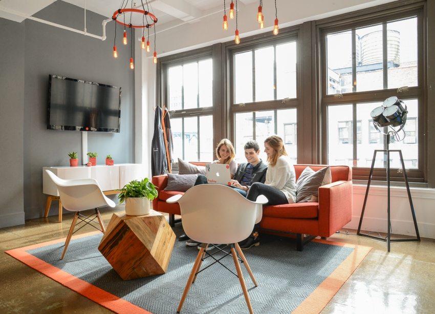Главное назначение гостиной - способствовать комфортному времяпрепровождению в ней