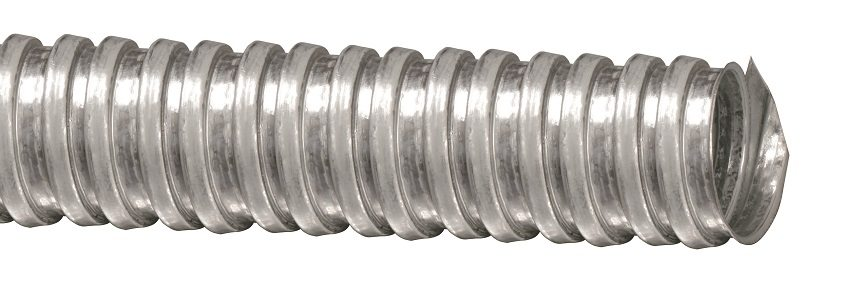 Металлическая гофрированная труба используется для безопасной разводки электрокабеля