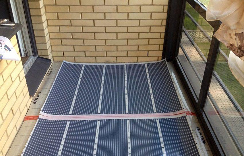 Для дополнительного утепления на балконе можно оборудовать теплый пол