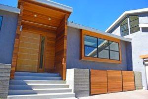 Крыльцо из бетона является очень долговечным и практичным