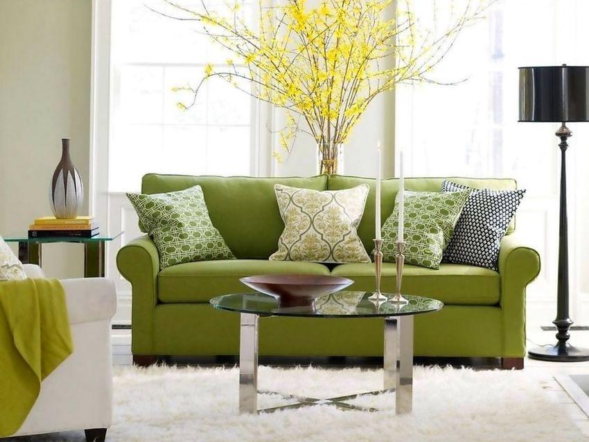 Яркий зеленый цвет в дизайне гостиной