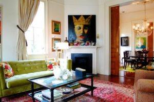 Интерьер в гостиной оформлен в стиле бохо