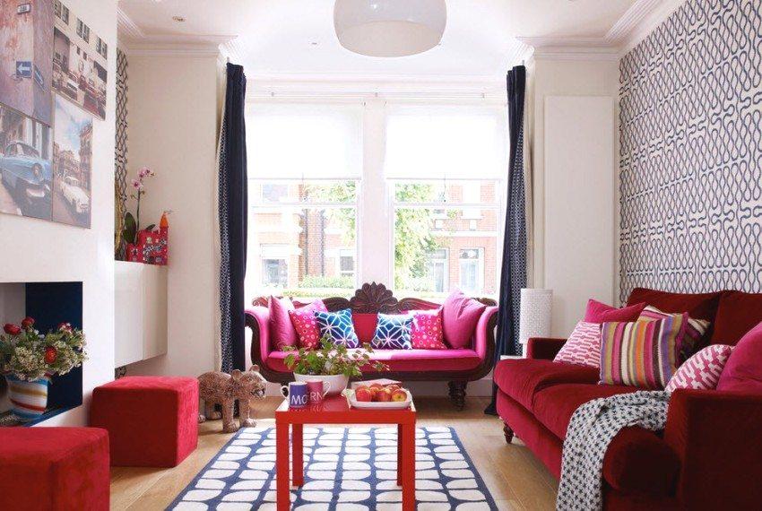 Сочетание покраски и обоев в отделке гостиной