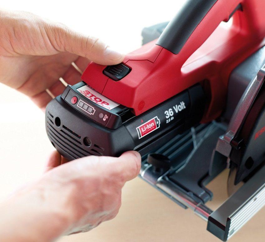 Модели с аккумулятором очень удобно использовать для работы в местах, где нет доступа к электричеству