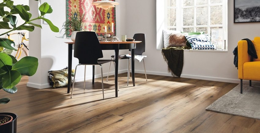 Wooden floors are appropriate in any interior.