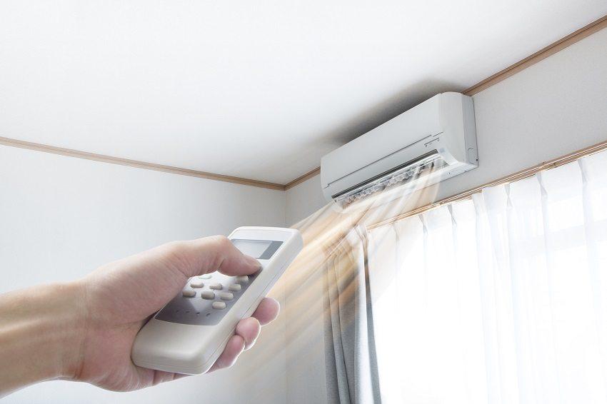 Кондиционер оборудован терморегулятором для контроля температуры воздуха в помещении