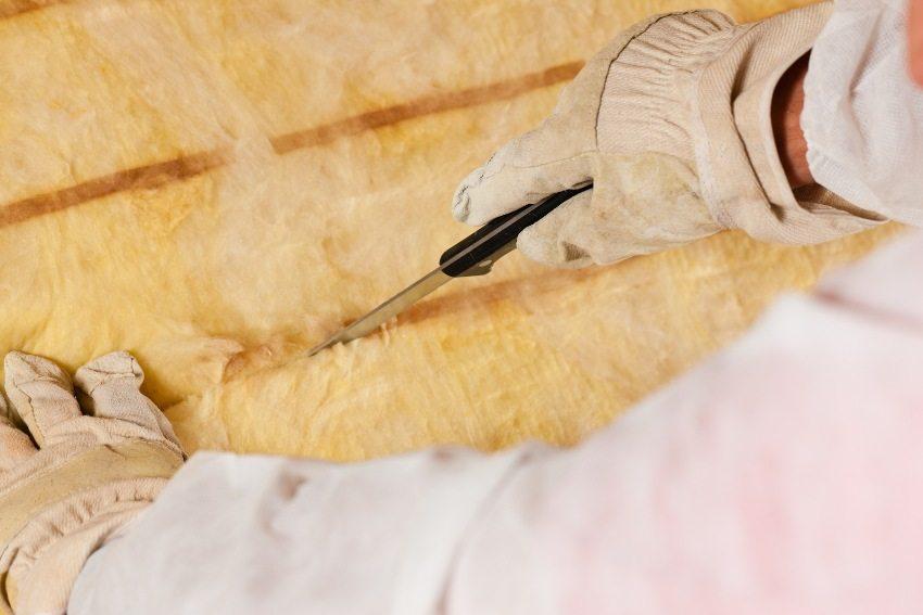 Минеральная вата подходит для утепления деревянных, бетонных и кирпичных стен