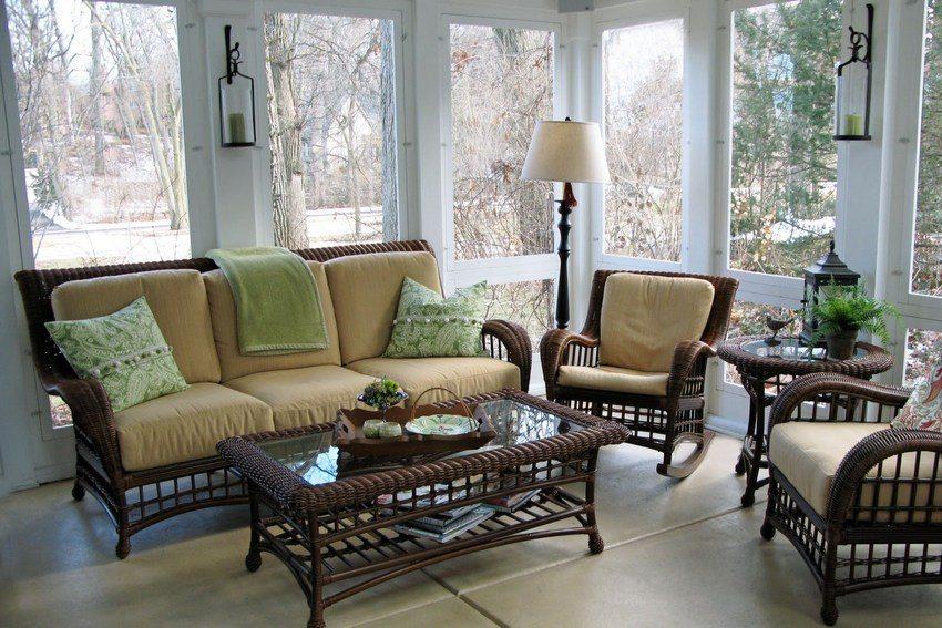 Закрытые и открытые веранды украсит мебель, сплетенная из ротанга или лозы