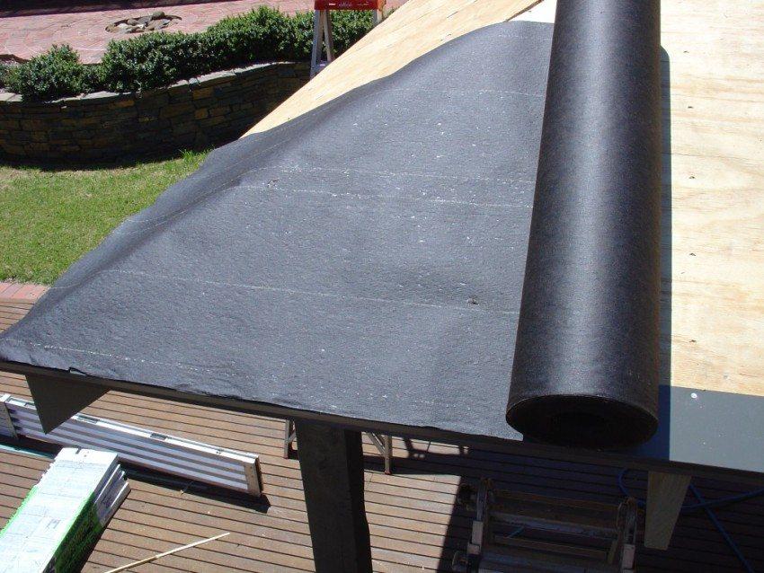 Гидроизоляции крыши беседки рулонными материалами