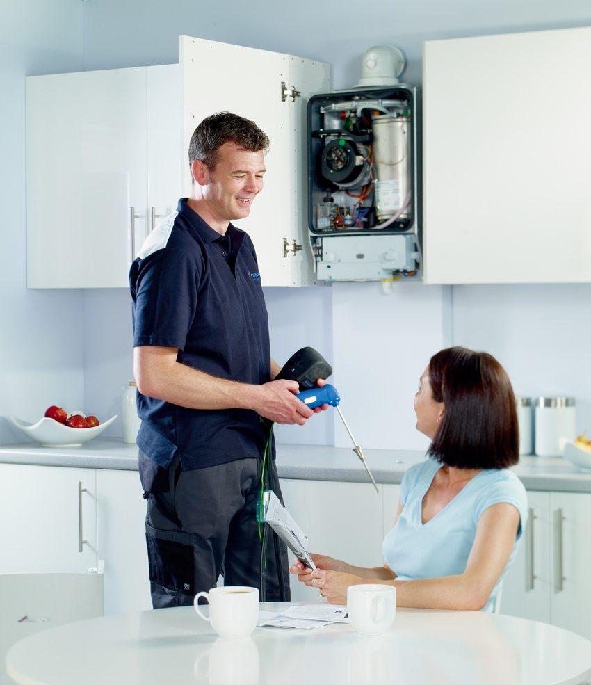 Для нормального обслуживания газового котла необходимо, чтобы в помещении было хорошее искусственное или естественное освещение