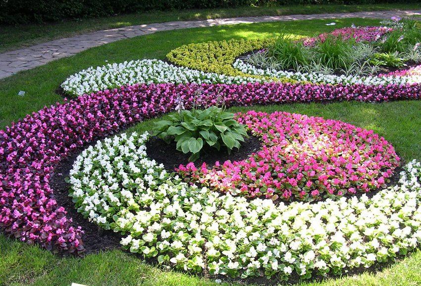 Различные сочетания цветов и видов растений позволяют создавать уникальные композиции