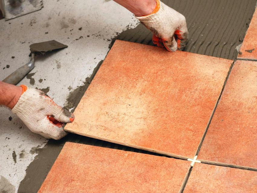 Самостоятельная укладка керамической плитки на пол