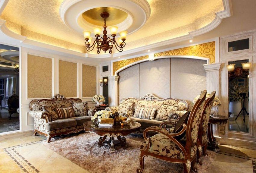 Потолок из гипсокартона в гостиной, оформленной в классическом стиле