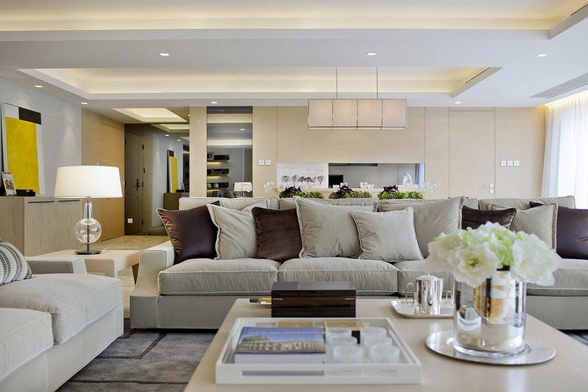 Современный дизайн гостиной с потолком из гипсокартона