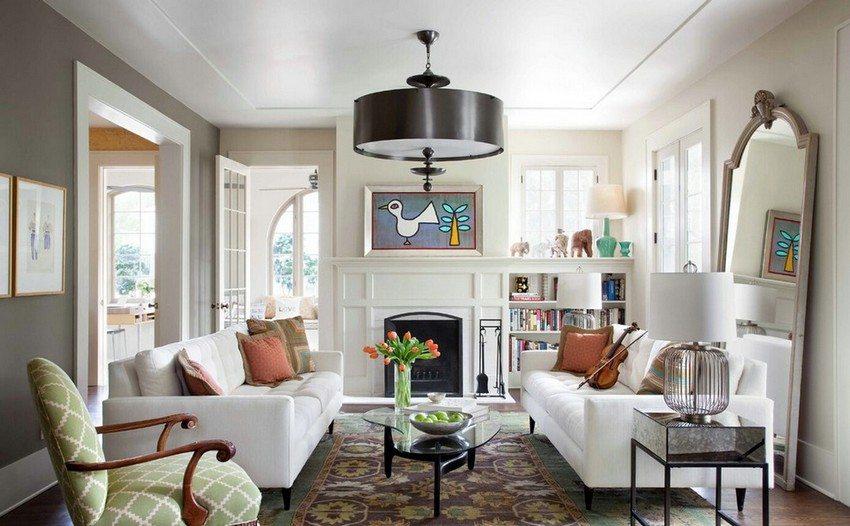 Для оформления потолка гостиной использованы листы гипсокартона