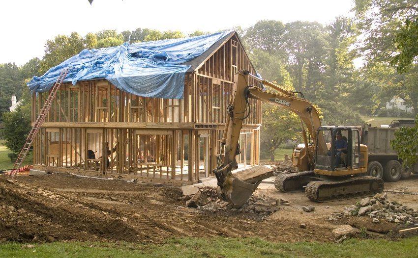 Дом может быть построен по щитовой или каркасно-рамочной технологии