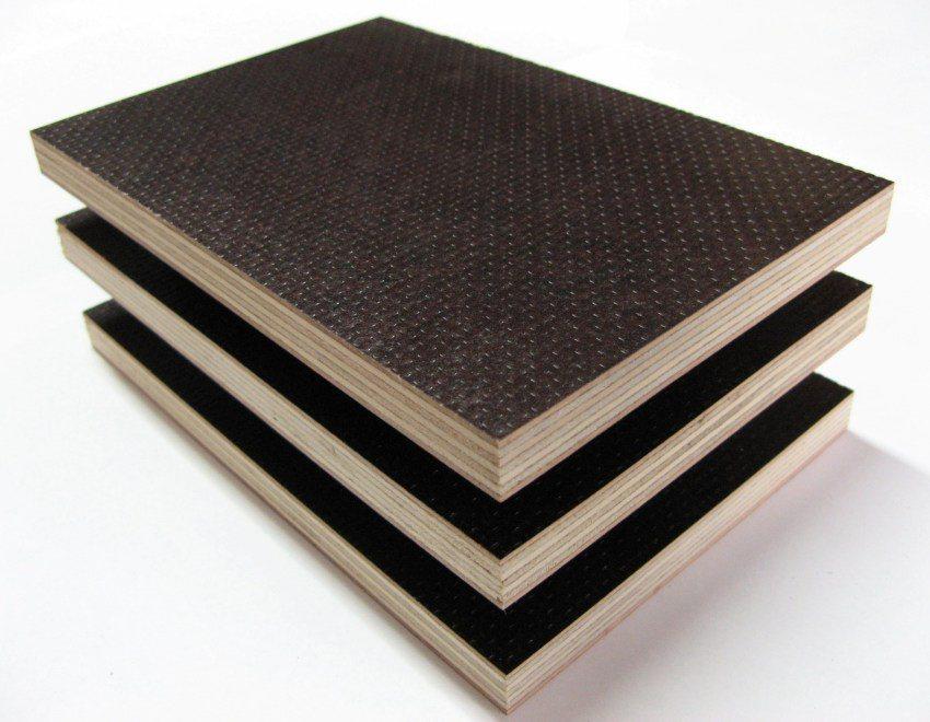 Бакелитовая фанера из древесины березы с влагостойкостью AW100