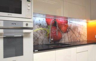 Фартуки для кухни, скинали: фото лучших дизайнерских идей