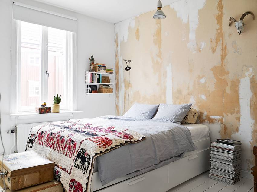 Eco-friendliness and performance are important criteria for choosing wallpaper for the bedroom