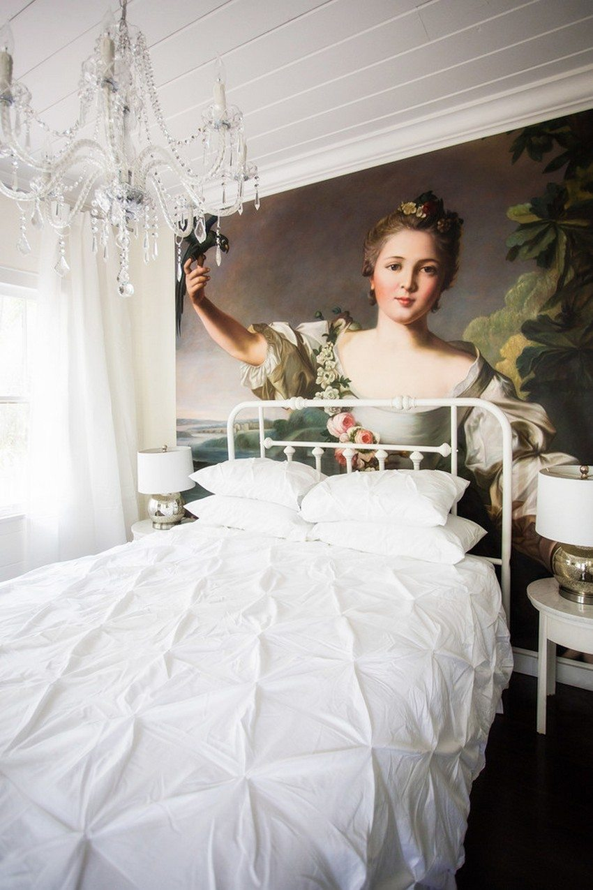 Photo wallpapers with a large image in the interior of the bedroom