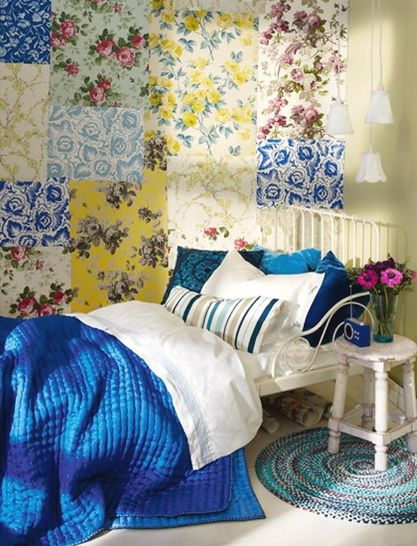 Example of patchwork on the wall of a small bedroom