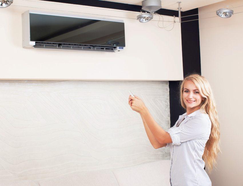 Современный дизайн настенного кондиционера станет украшением комнаты