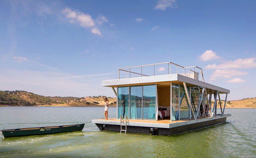 Плавучий модульный дом с мотором