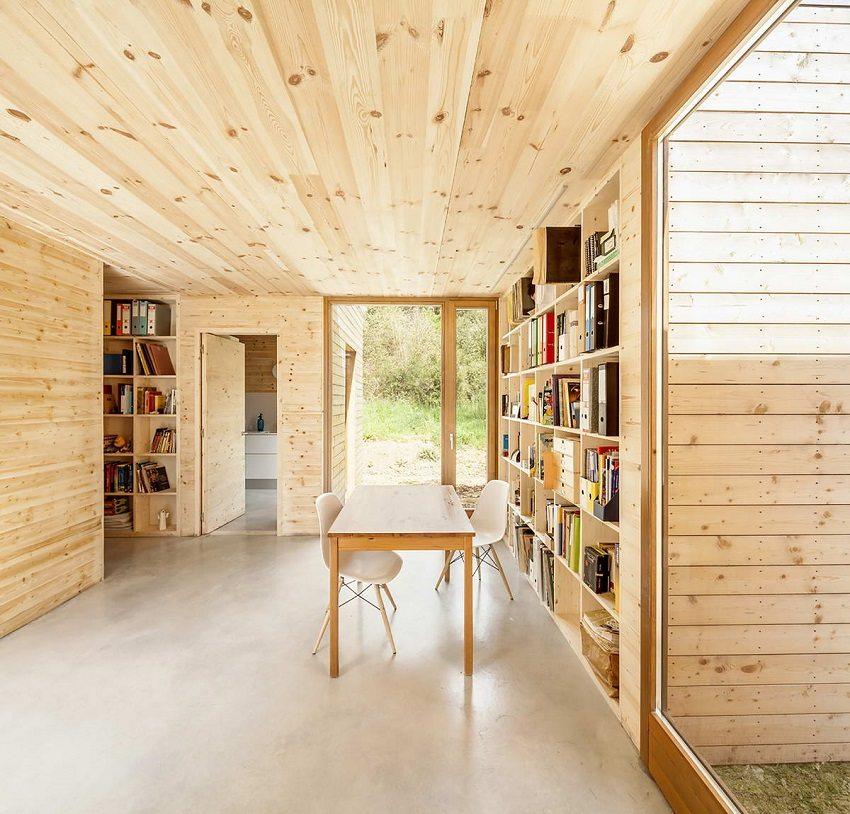 Внутренний вид дома из быстровозводимых модульных деревянных конструкций