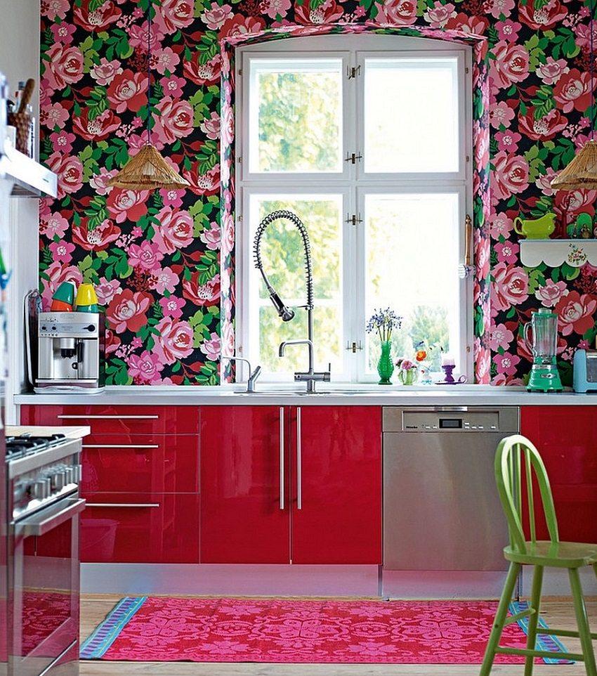 Яркие цветочные орнаменты наполняют кухню жизнерадостным настроением