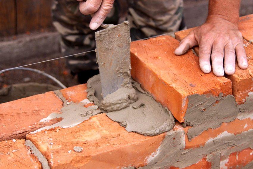 При проектировании постройки необходимо учитывать такой параметр как общий удельный вес кладки
