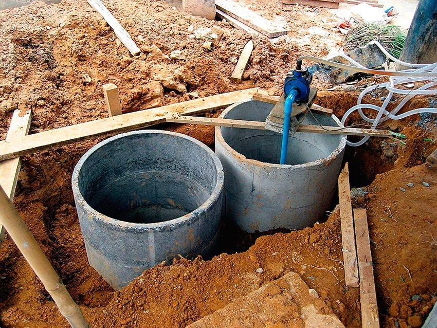 Процесс строительства септика из бетонных колец
