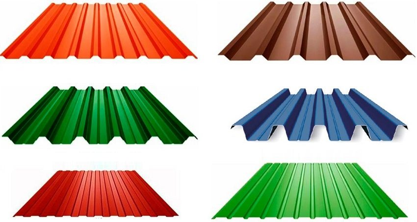 Профилированный лист различают по высоте и шагу ребер, что влияет на прочность материала